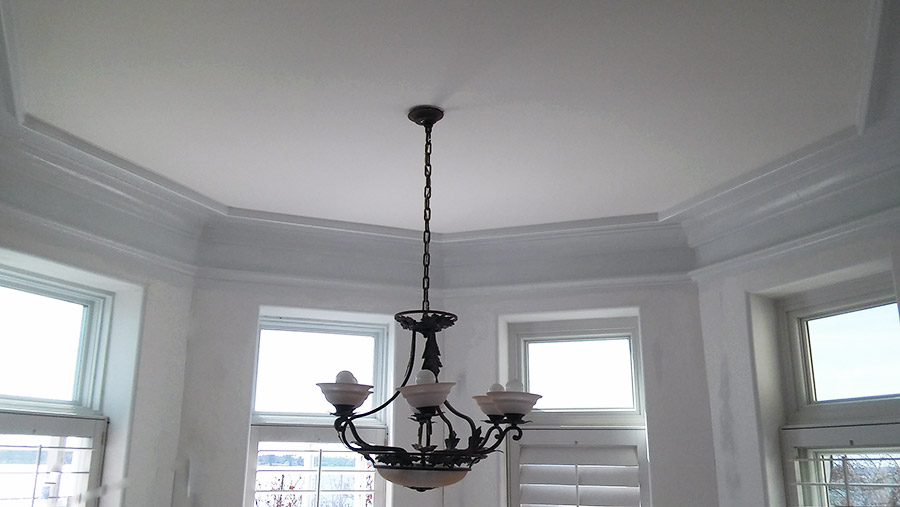 crown-molding-and-paint