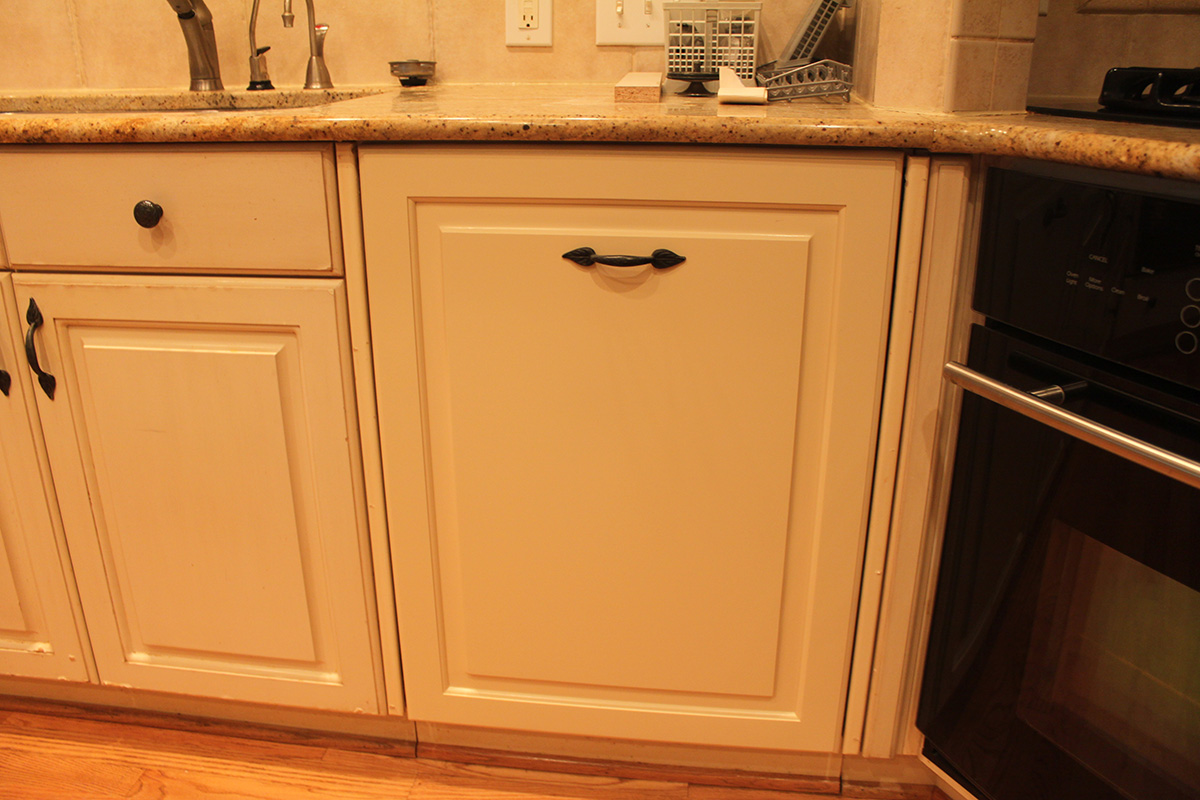 kitchen-cabinet-refinishing